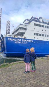 Ijumieden Fährterminal - warten auf unsere Fähre, die Princess Seaways von DFDS