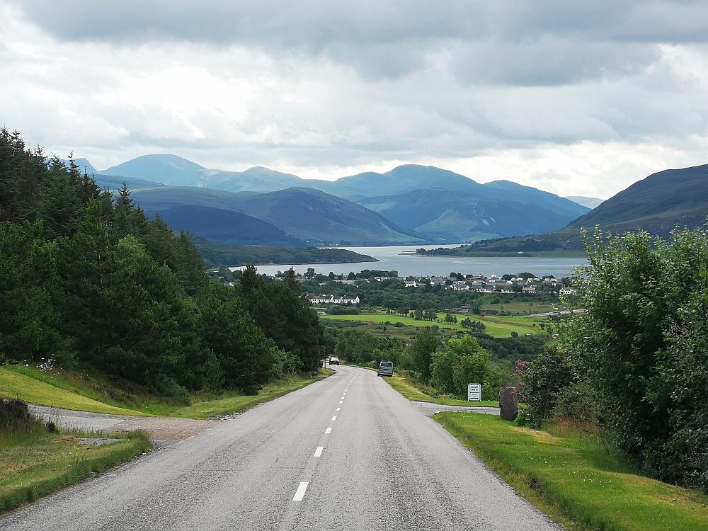 Blick auf Ullapool und die Highlands