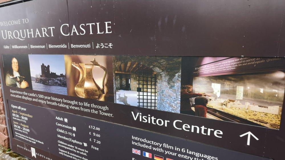 Urquhart Castle 01